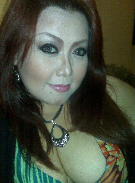 Tante Hot Nakal Putih Mulus Menggoda