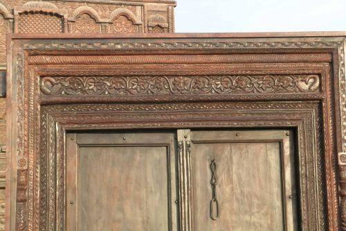 Temuco tierra viva for Puertas antiguas dobles