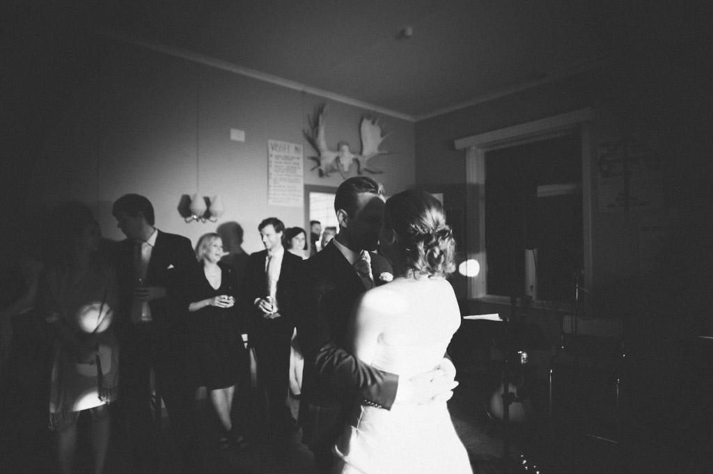 Bröllopsvals i Rog bystuga