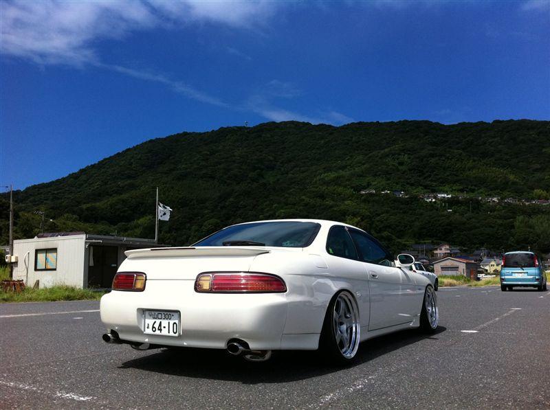 Toyota Soarer Z30, japoński sportowy samochód, motoryzacja z lat 90, napęd na tył, silnik R6, V8, galeria, white, biały, tył, back