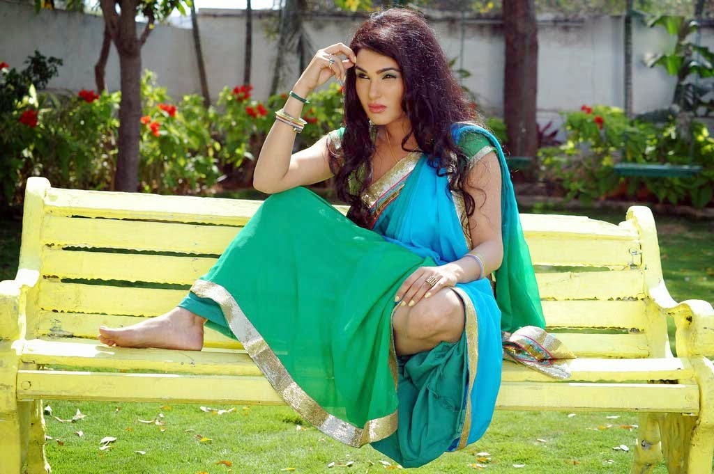 Kavya Singh New Stills From Telugu Movie