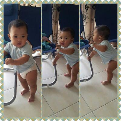 Baby Auni belajar berdiri