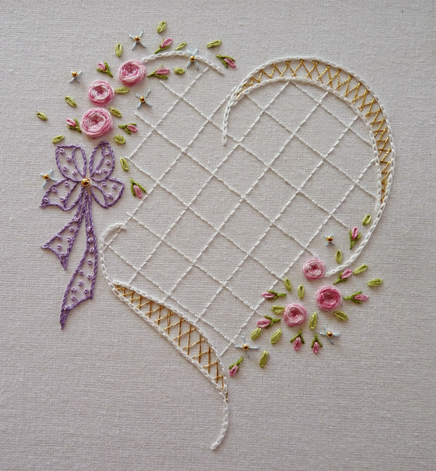 Hand embroidery heart makaroka