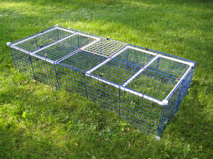 Crafts cavies and cooking outdoor pen how to for Outdoor guinea pig cage
