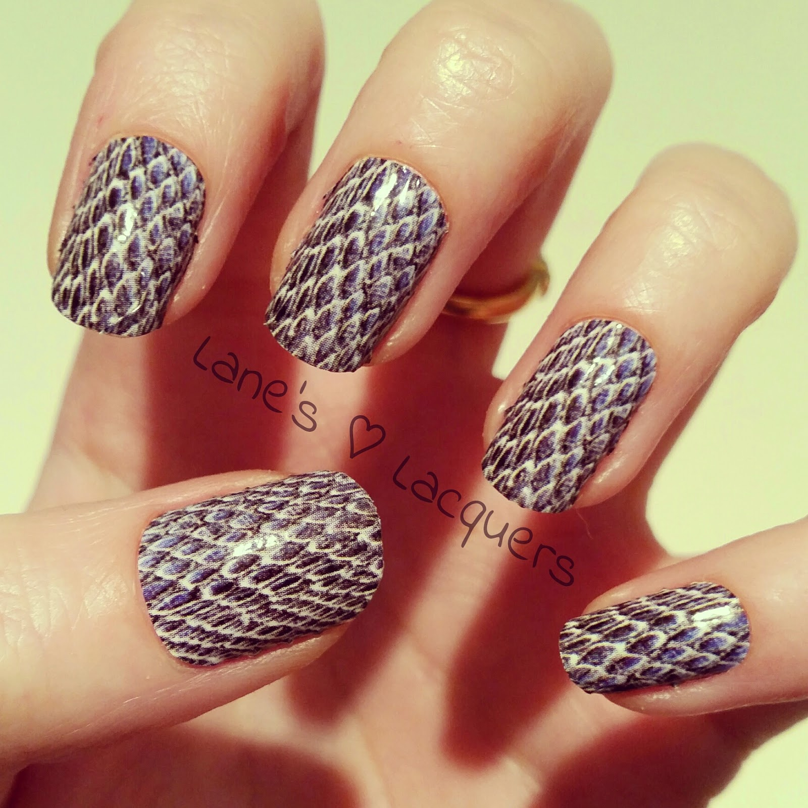 omg-nail-strips-review-snakeskin-nail-art