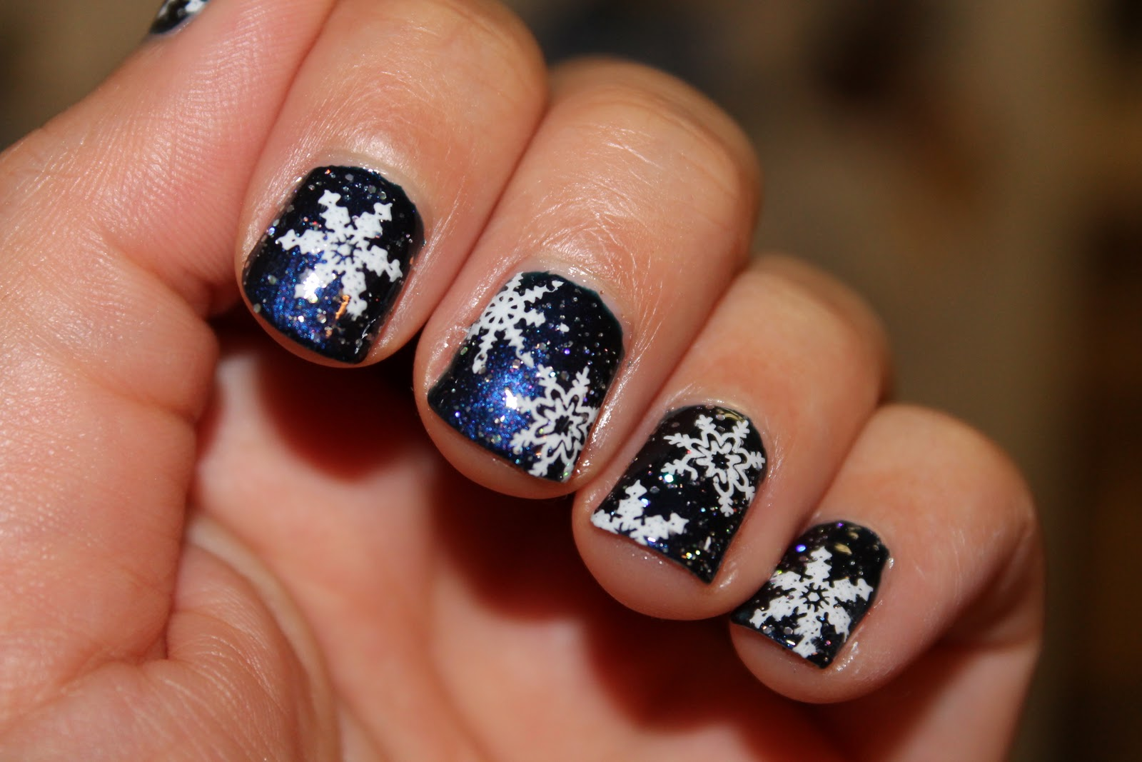 Christmas nail designs snowflakes christmas nail designs snowflakes retro snowflake nails nail art tutorial on short youtube prinsesfo Image collections