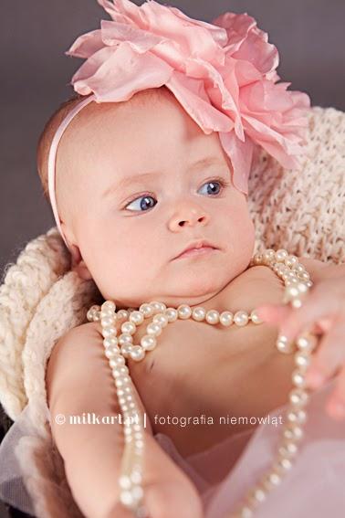 sesja fotograficzna dziecka, fotografia niemowlaków, zdjęcia dziecka, sesje  na prezent, fotografie noworodków