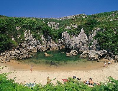 Vacaciones playa y mar for Como se llama el hotel que esta debajo del mar