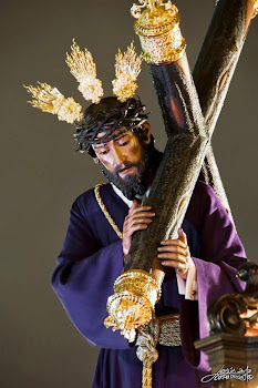 VII Estación. Jesús carga con la Cruz
