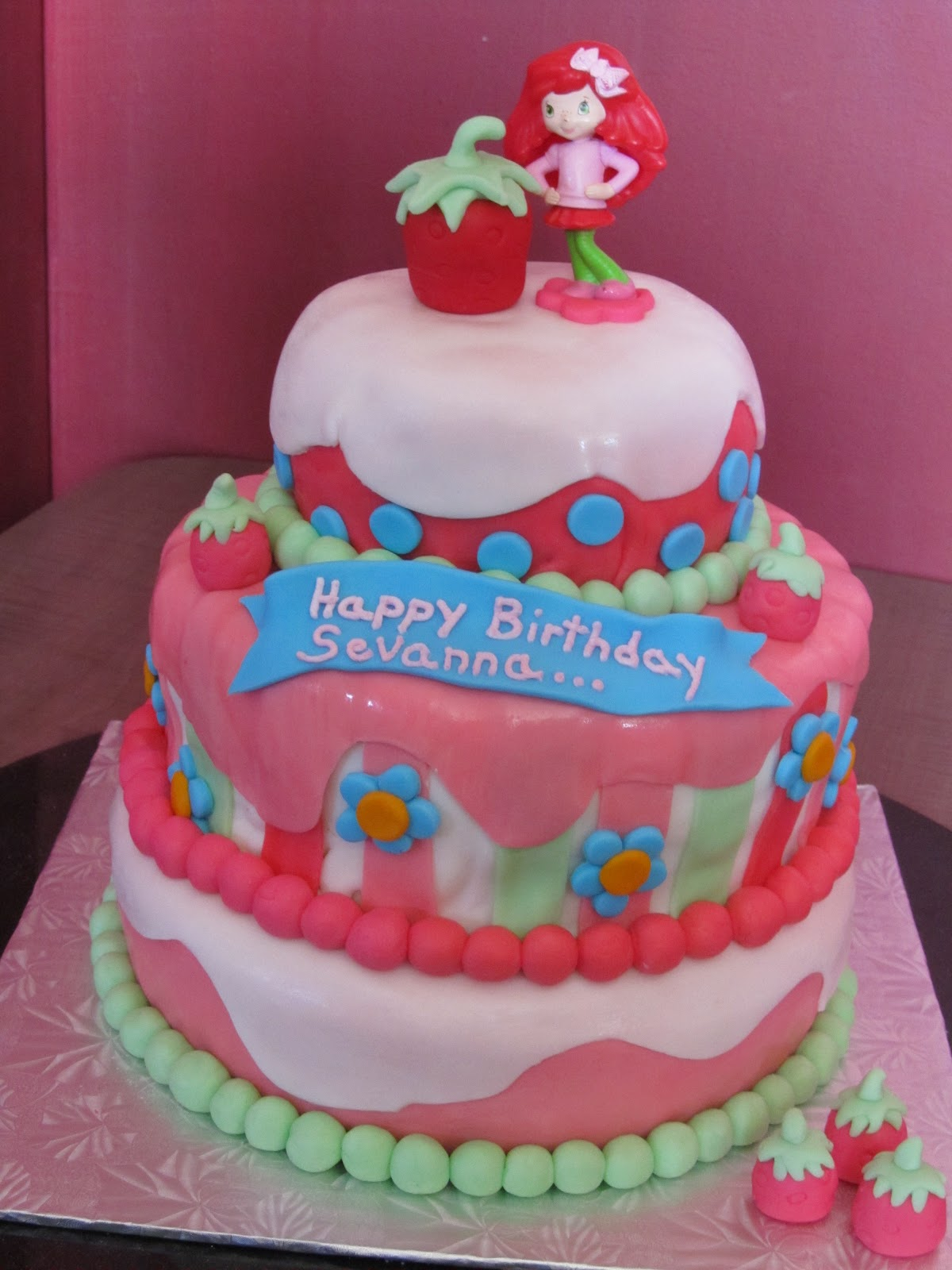 Cake Design With Strawberries : Cake Designs by Steph: Strawberry Shortcake birthday cake!