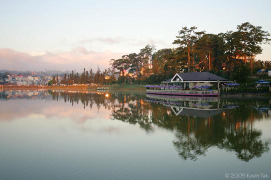 Ho Xuan Huong Lake (Da Lat - Lam Dong)