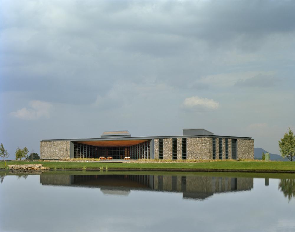 Architectural architecture bosque altozano club house by for Clubhouse architecture design