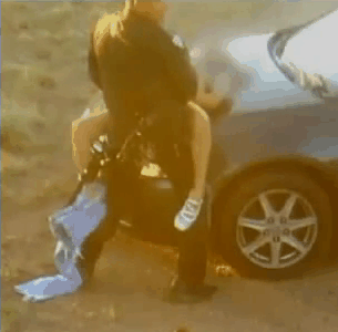 Pasangan Ini Curi Mobil Polisi untuk Bercinta