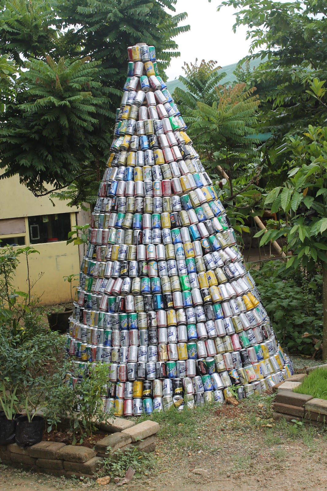 Boracay island news residents urged to make christmas Christmas tree ideas using recycled materials