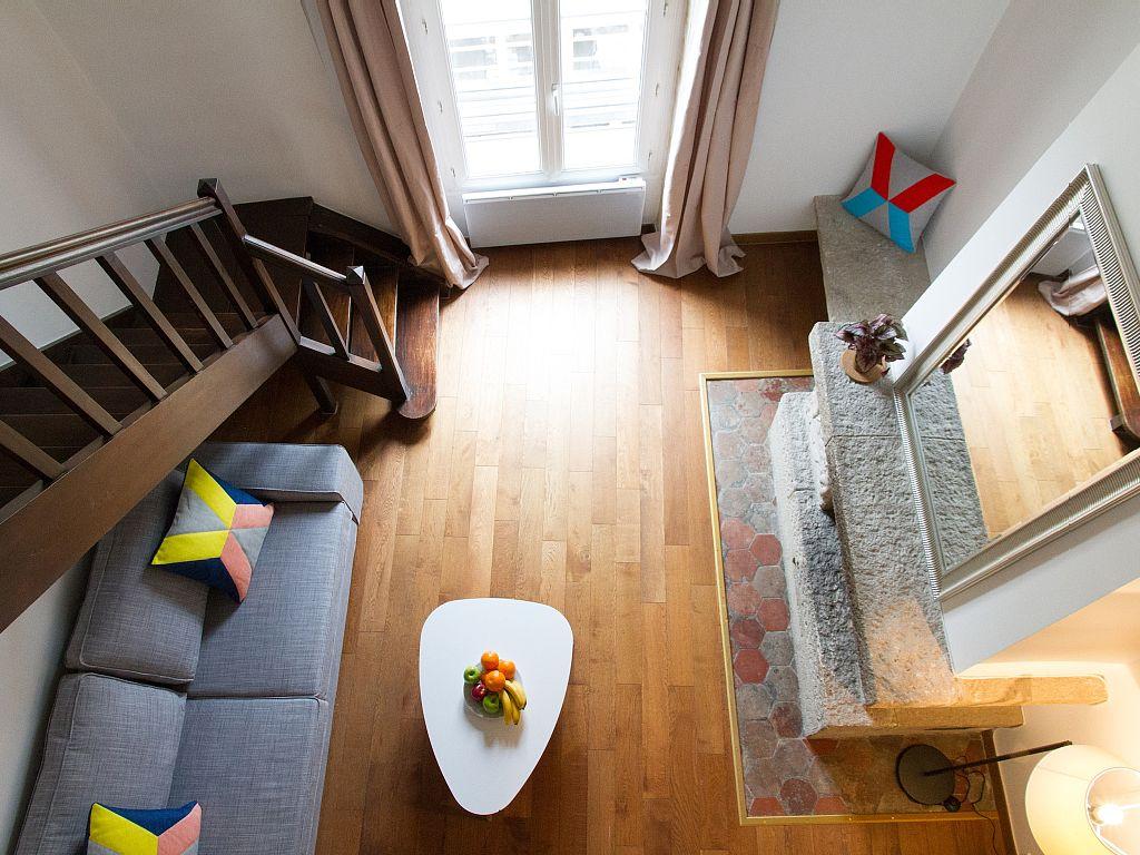 Mini appartement tour in paris tour di un piccolo for Un piccolo appartamento