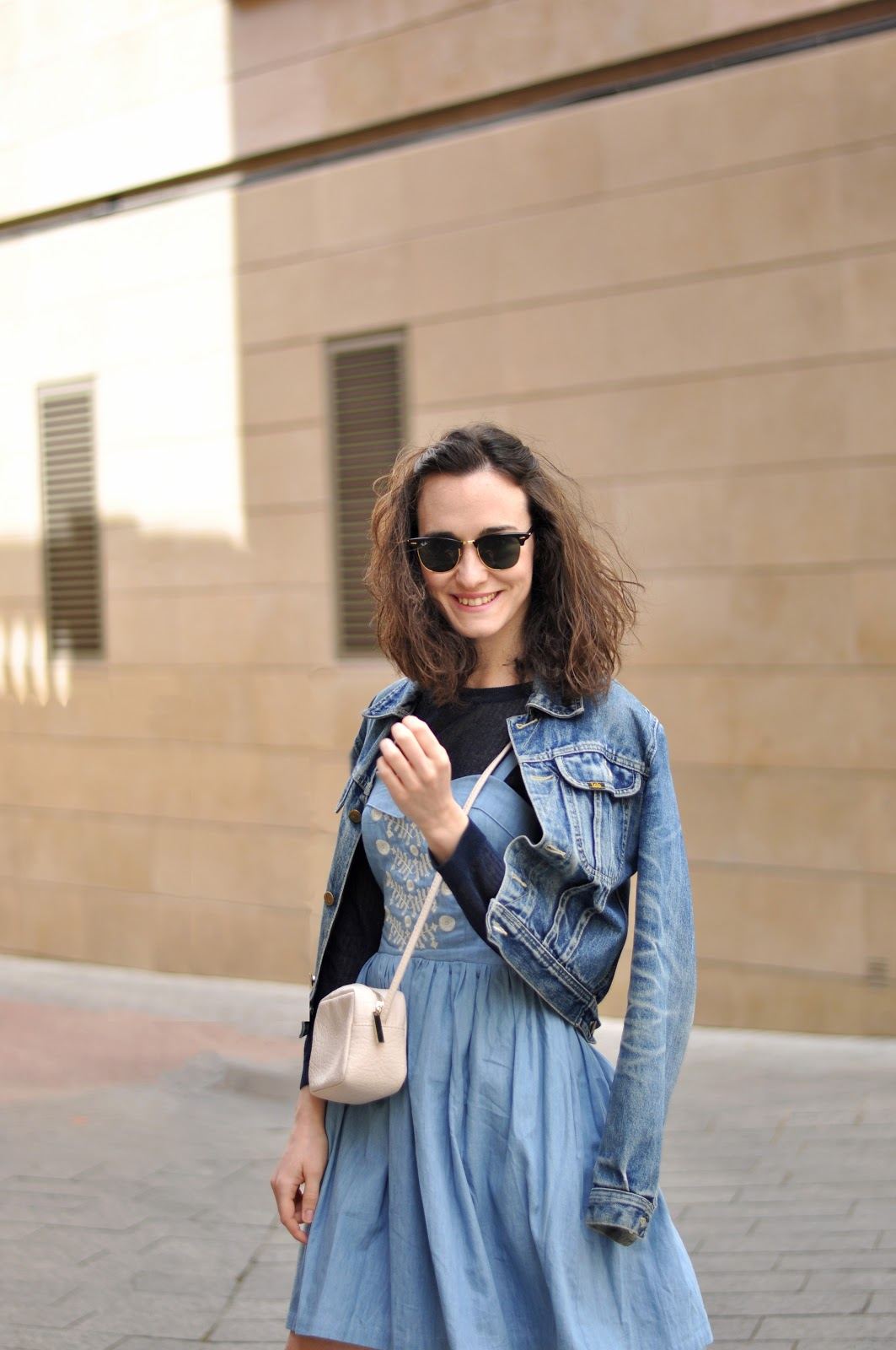 denim dress streetstyle