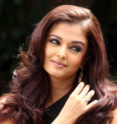 Aishwarya Rai HD Wallpapers Free Download