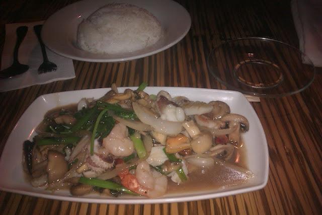 פירות ים ברוטב צדקות, בית תאילנדי