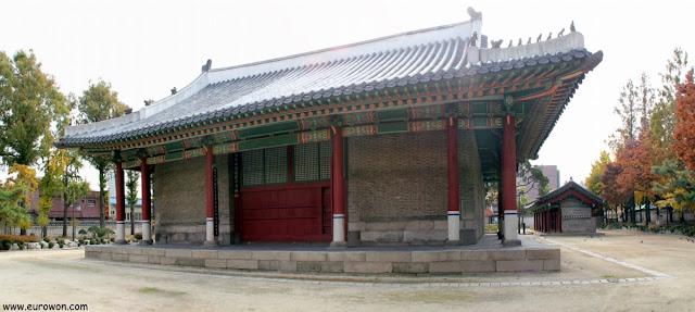 Edificio principal del santuario Dongmyo