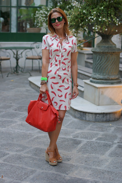 red hot chili peppers dress, vestito peperoncini, summer outfit, Oakley mirror sunglasses, Fashion and Cookies