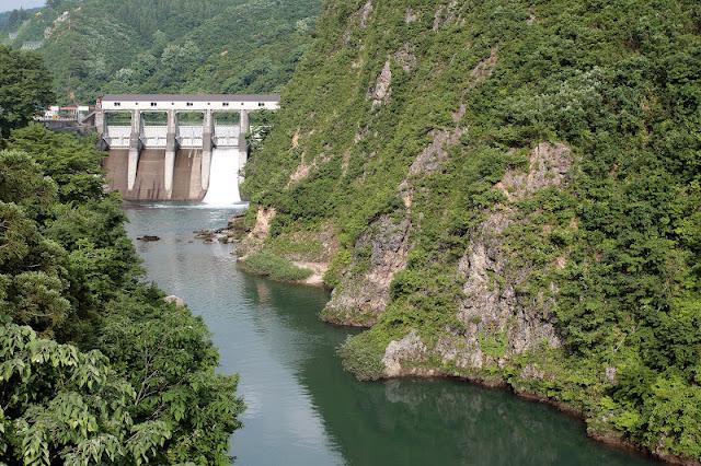 藪神ダム下流の眺め