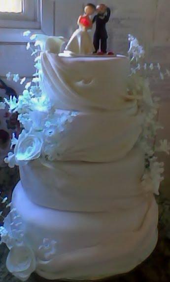 Bolo com maquete Casamento