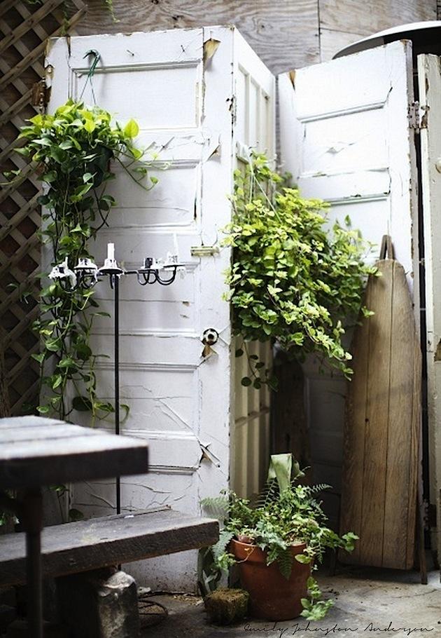 Wabi sabi scandinavia design art and diy diy room for Garden divider ideas