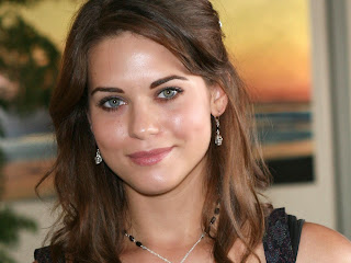 Lyndsy Fonseca Desktop Wallpapers 1080p, 720p, Cute, Unseen Images of Hot Lyndsy Fonseca
