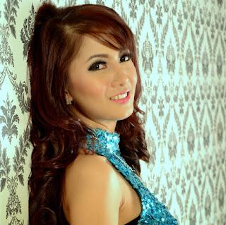 Neng Diva Cowok Omdo