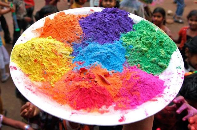 Gulal: polvos de colores para la celebración del Holi
