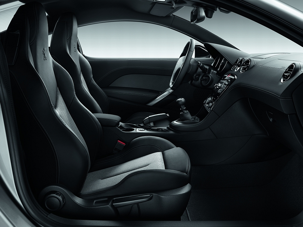 cockpit autom vel conte dos auto apresenta o peugeot rcz onyx. Black Bedroom Furniture Sets. Home Design Ideas