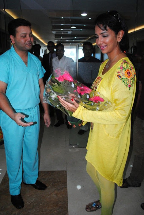Lakshmi Prasanna @ Livlife Hospitals Function Photo Set - N/W  Lakshmi-Prasanna-at-Livlife-Hospitals_006