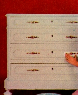 Professione donna come verniciare e decorare un vecchio mobile - Verniciare mobile laccato ...