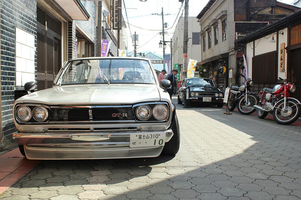 Nissan Skyline GT-R C10 godzilla