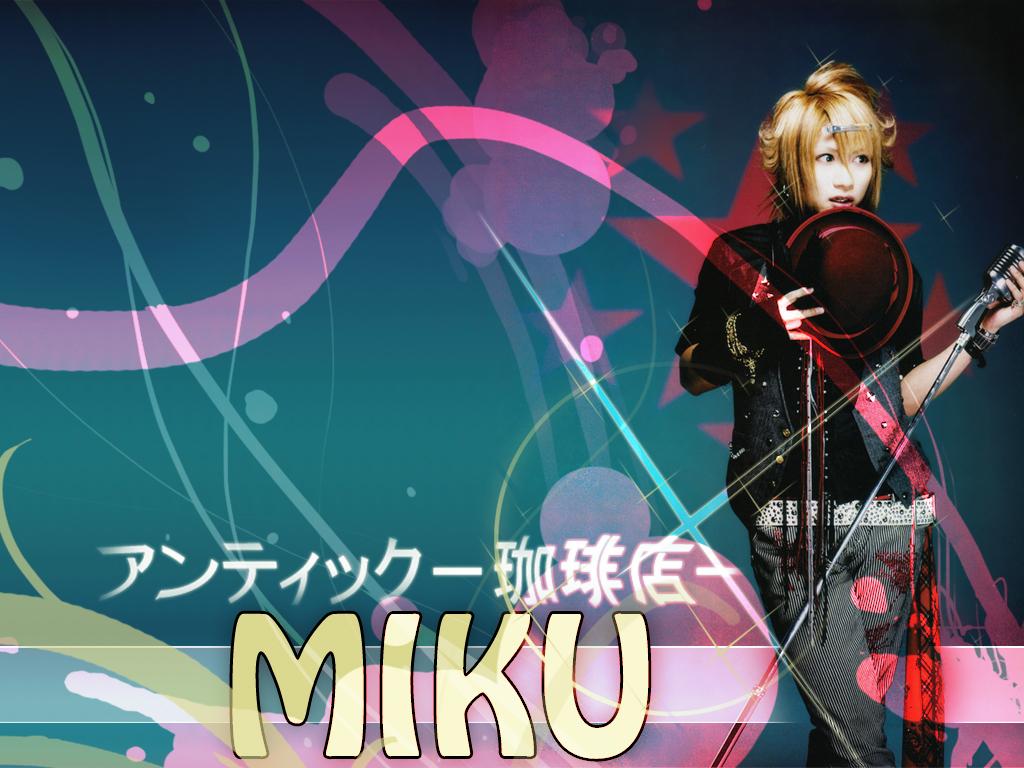 http://1.bp.blogspot.com/-Q9ejko-RcR0/TjiixWYp2hI/AAAAAAAAAN4/W0M3juPM_zc/s1600/miku1024x768.jpg