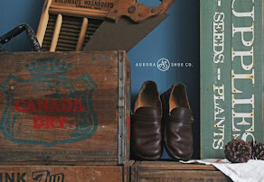 Aurora Shoes - Middle English