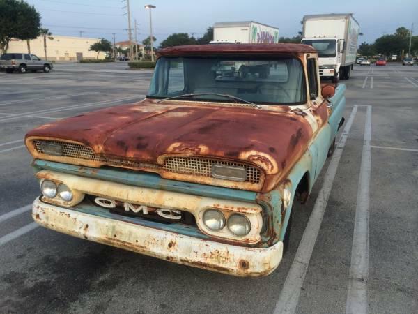 1961 GMC Fleetside Longbed Pick Up - Old Truck