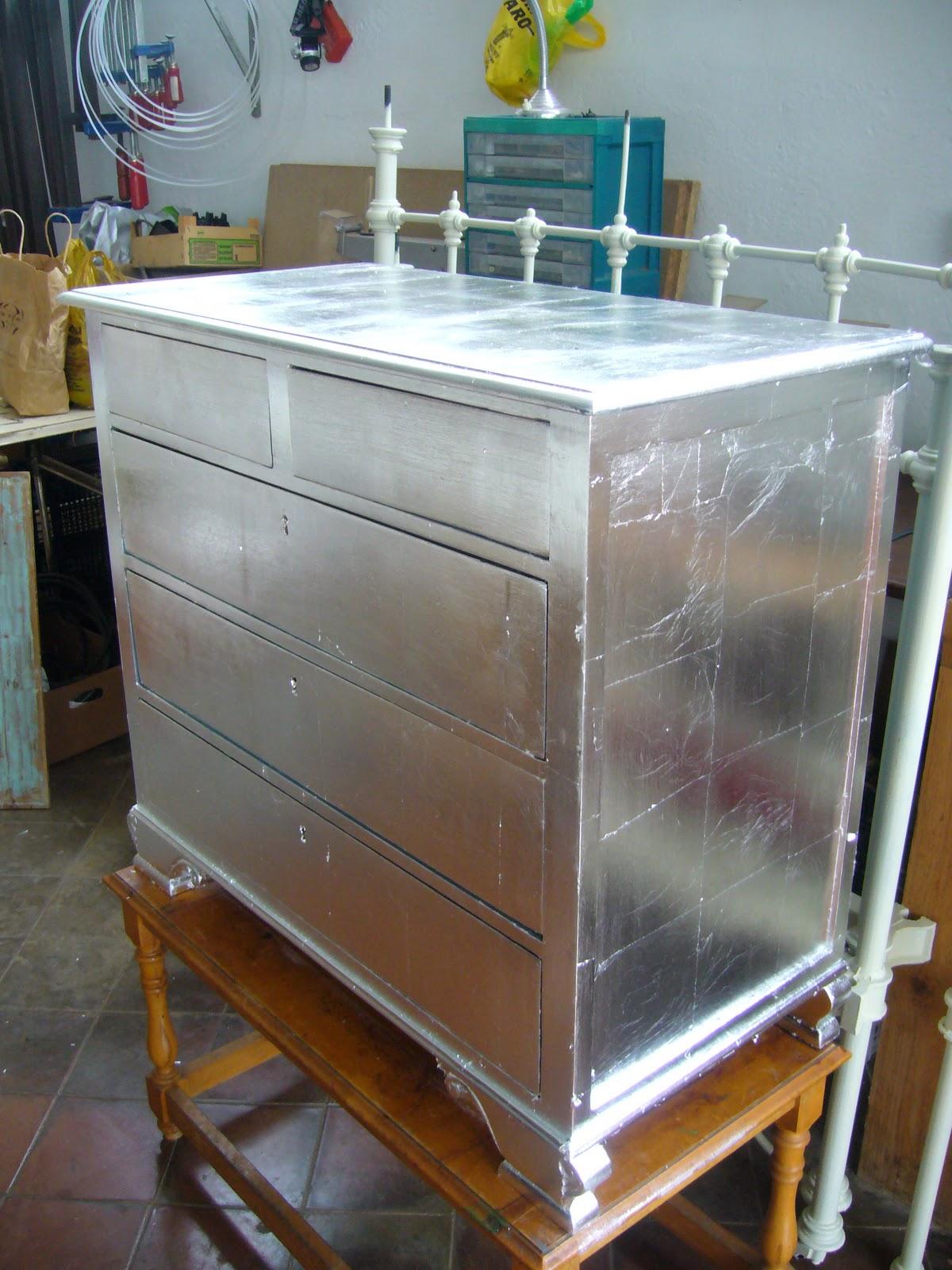 Mira como era comodita reciclada en plata la restauradora de la laguna - Muebles pintados en plata ...