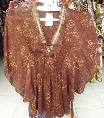 Model Baju Atasan Batik Kelelawar Wanita Gemuk