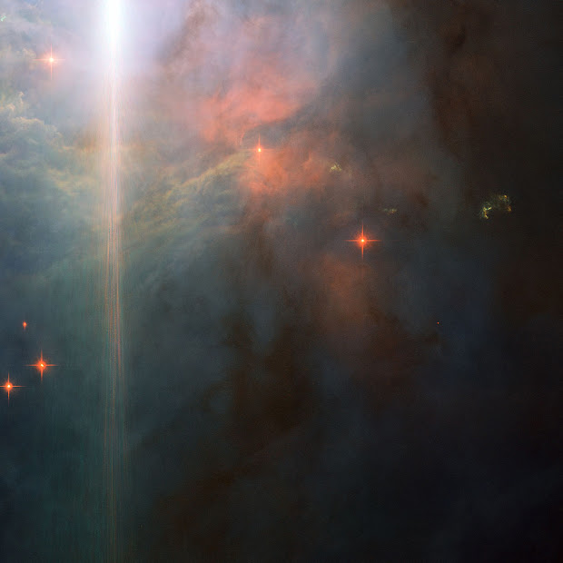 Hubble pictures NGC 2023: a Sunset Glow in Orion!