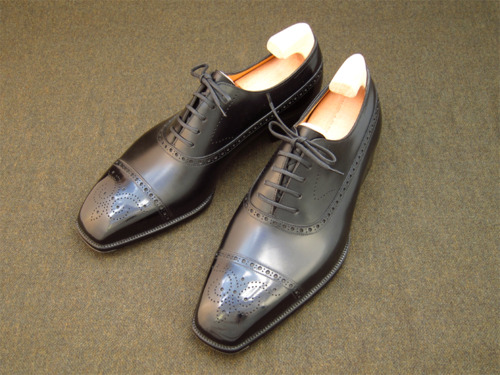 Balmoral+Oxford+with+Medalion.jpg