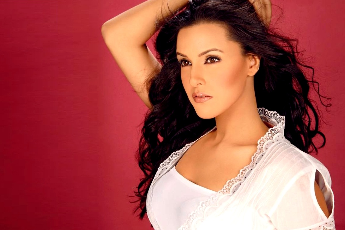 Neha Dhupia Foto Artis India Cantik 2
