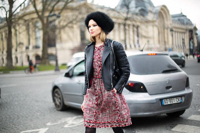 Para ir a lo oficina ¿qué me pongo? vestido de tweed y perfecto de cuero