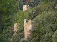 Aproximació a les tores 3 i 4 de la tercera muralla del Castell de Sant Jaume