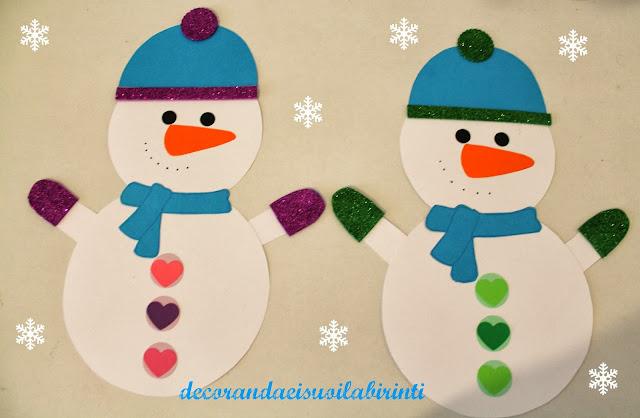 Decorandaeisuoilabirinti decorazioni porta invernali for Decorare la porta dell aula