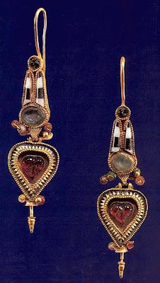 кольца с знаком скарабея