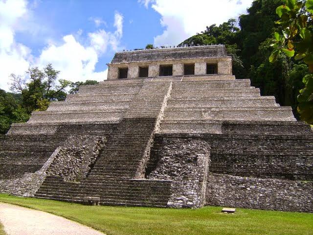 Las culturas precolombinas aztecas incas y mayas for Las construcciones de los mayas