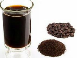 ampas kopi untuk menyingkirkan strecth mark