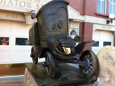 Stanley statue Cars Land Carsland Radiator Springs Disney DCA
