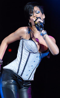Rihanna Weight The Locker Room Atrl